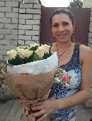 21 cream roses