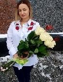 25 білих троянд з серцями