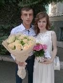 15 creamy roses