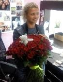 101 красная роза с мишкой