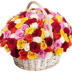 "Корзина ""101 разноцветная роза"""