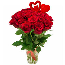 25 red roses with hearts