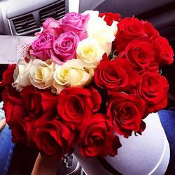 """Цветы в коробке """"Настоящие чувства"""""""