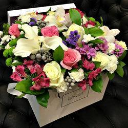 """Цветы в коробке """"Королевская роскошь"""""""