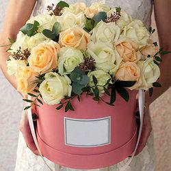 "Цветы в коробке ""Мэрилин Монро"""
