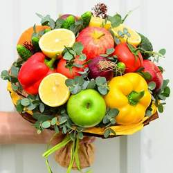 "Fruit and vegetable bouquet ""Vitamin boom!"""