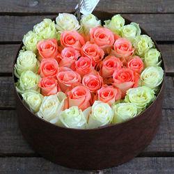 """Цветы в коробке """"Искренние чувства"""""""