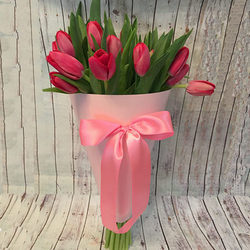"Bouquet in the cone-package ""19 pink tulips"""
