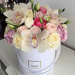 """Квіти в коробці """"Прекрасне почуття!"""""""