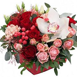 """Цветы в коробке """"Красотка"""""""