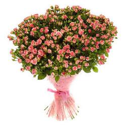 """Букет из кустовых роз """"Влюбленное сердце"""""""