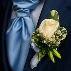 "Boutonniere ""Courage"""